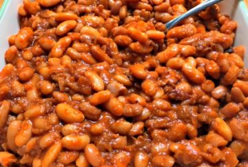 slow cooker BBQ baked beans